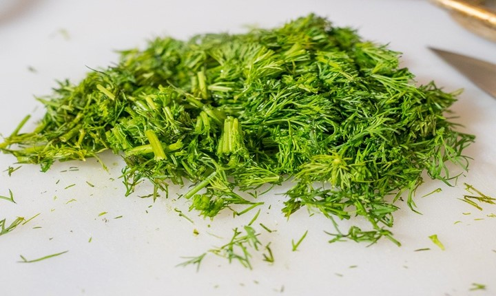 Substitute for fresh dill